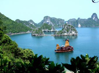 Asia_Cruise_Junk_in_Halong_bay-340x252