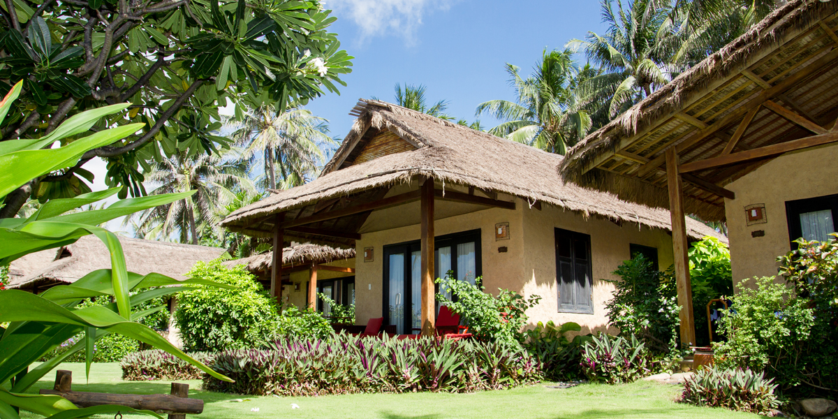 bamboovillage-beachfront-bungalow-windy