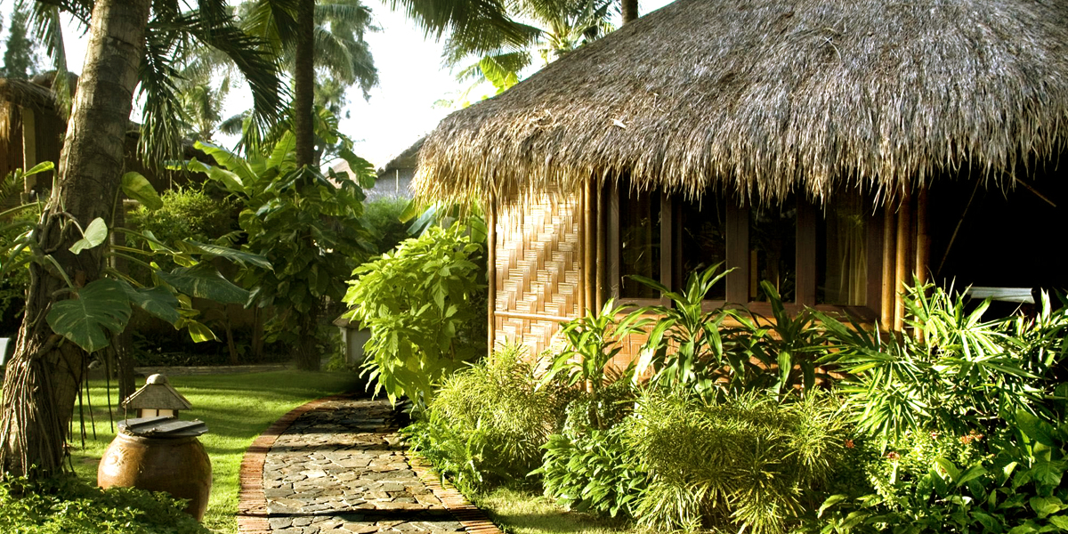 bamboovillage-garden-view-bungalow-hawaiilian-Small